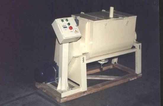 Машина сбивальная для зефирной массы периодического действия Ш24-ШЗС