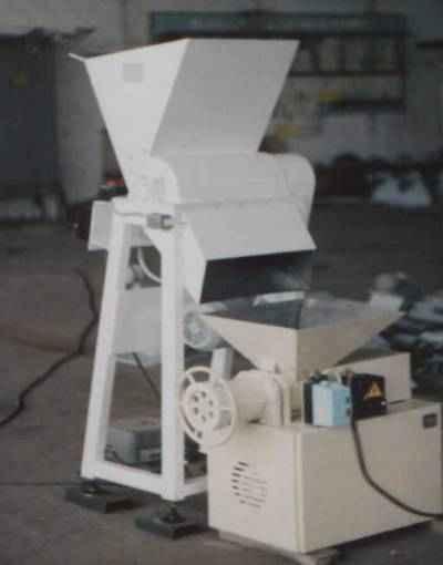 Установка для измельчения отходов вафельных пластов