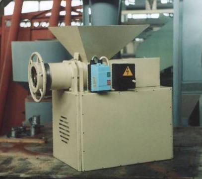 Измельчитель отходов вафельных пластов Ш24-ШИВ